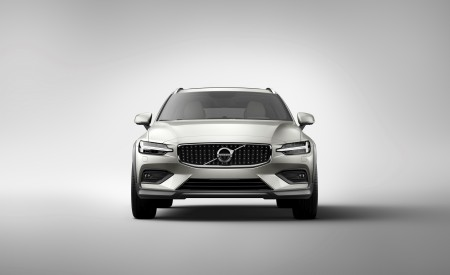 2019 Volvo V60 Cross Country Front Wallpapers 450x275 (15)