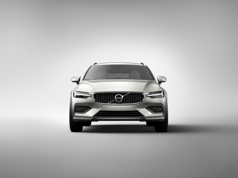 2019 Volvo V60 Cross Country Front Wallpaper (15)