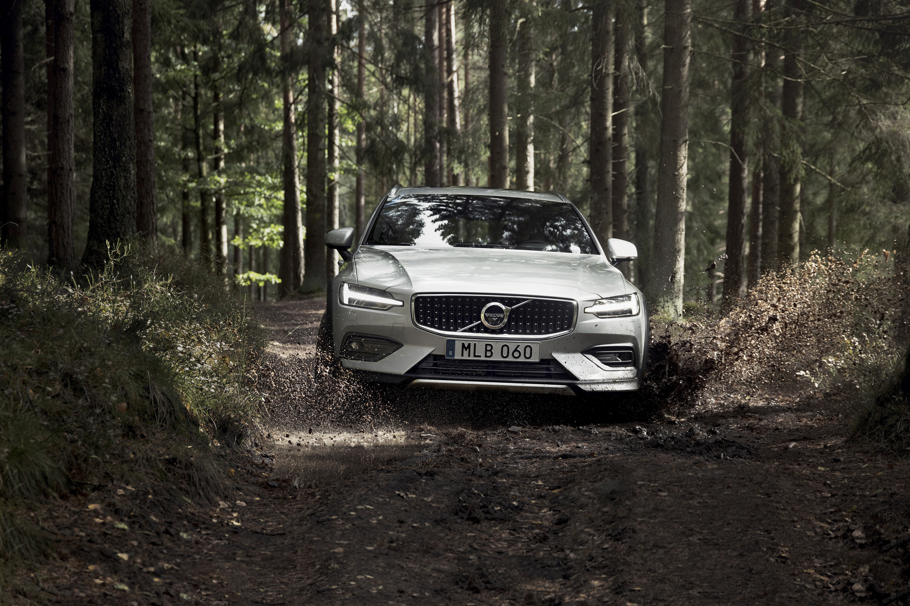2019 Volvo V60 Cross Country Front Wallpapers (8)