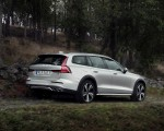 2019 Volvo V60 Cross Country Rear Three-Quarter Wallpapers 150x120 (5)