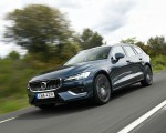 2019 Volvo V60 Front Three-Quarter Wallpaper 150x120 (8)