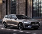 2019 Volvo V60 T6 AWD Inscription (Color: Pebble Grey Metallic) Front Three-Quarter Wallpaper 150x120 (39)