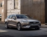 2019 Volvo V60 T6 AWD Inscription (Color: Pebble Grey Metallic) Front Three-Quarter Wallpaper 150x120 (30)