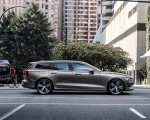 2019 Volvo V60 T6 AWD Inscription (Color: Pebble Grey Metallic) Side Wallpaper 150x120 (36)