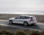 2019 Volvo V60 T6 AWD Momentum (Color: Birch Light Metallic) Rear Three-Quarter Wallpaper 150x120 (21)