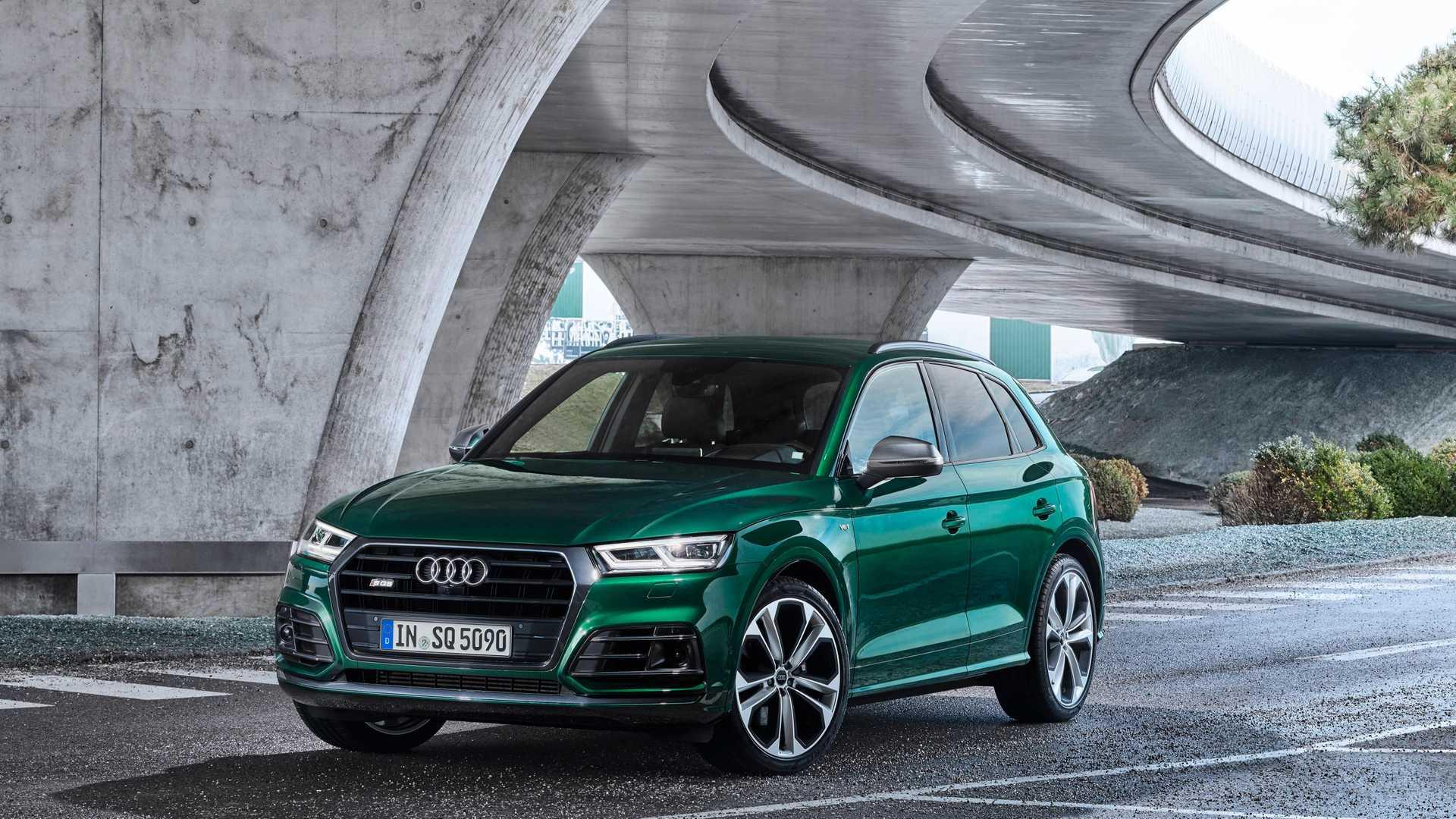 2020 Audi SQ5 TDI (Color: Azores Green Metallic) Front Wallpapers (10)