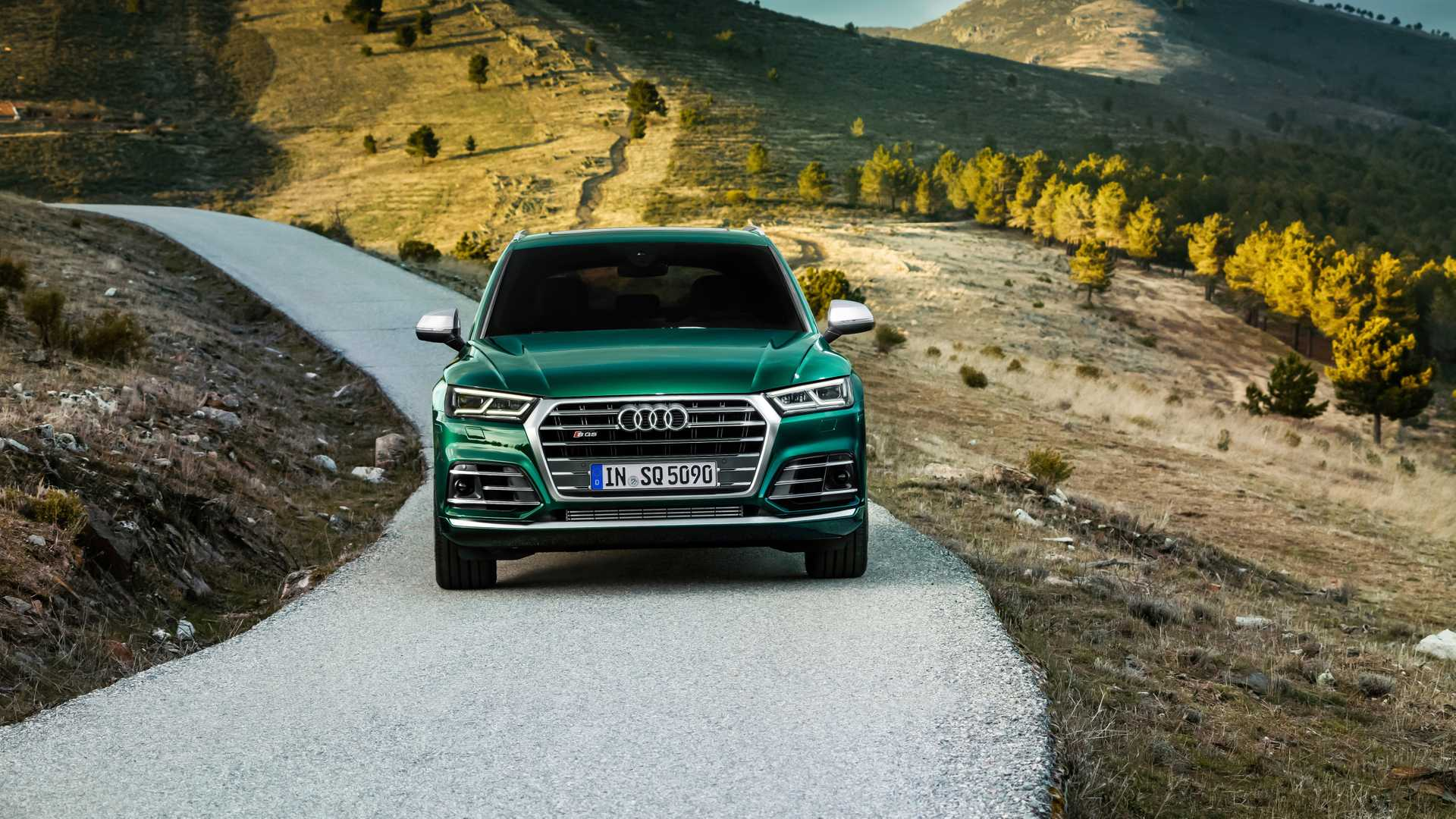 2020 Audi SQ5 TDI (Color: Azores Green Metallic) Front Wallpapers (2)