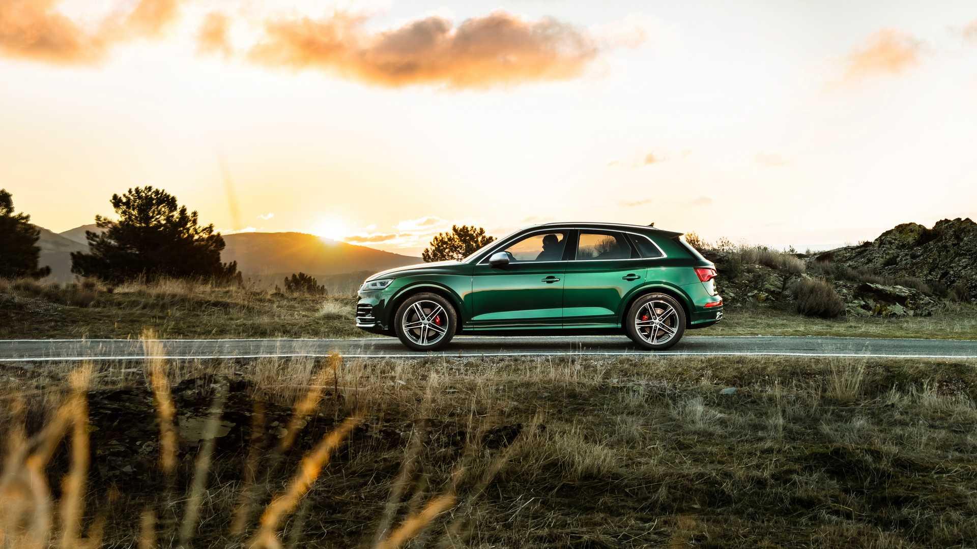 2020 Audi SQ5 TDI (Color: Azores Green Metallic) Side Wallpapers (5)