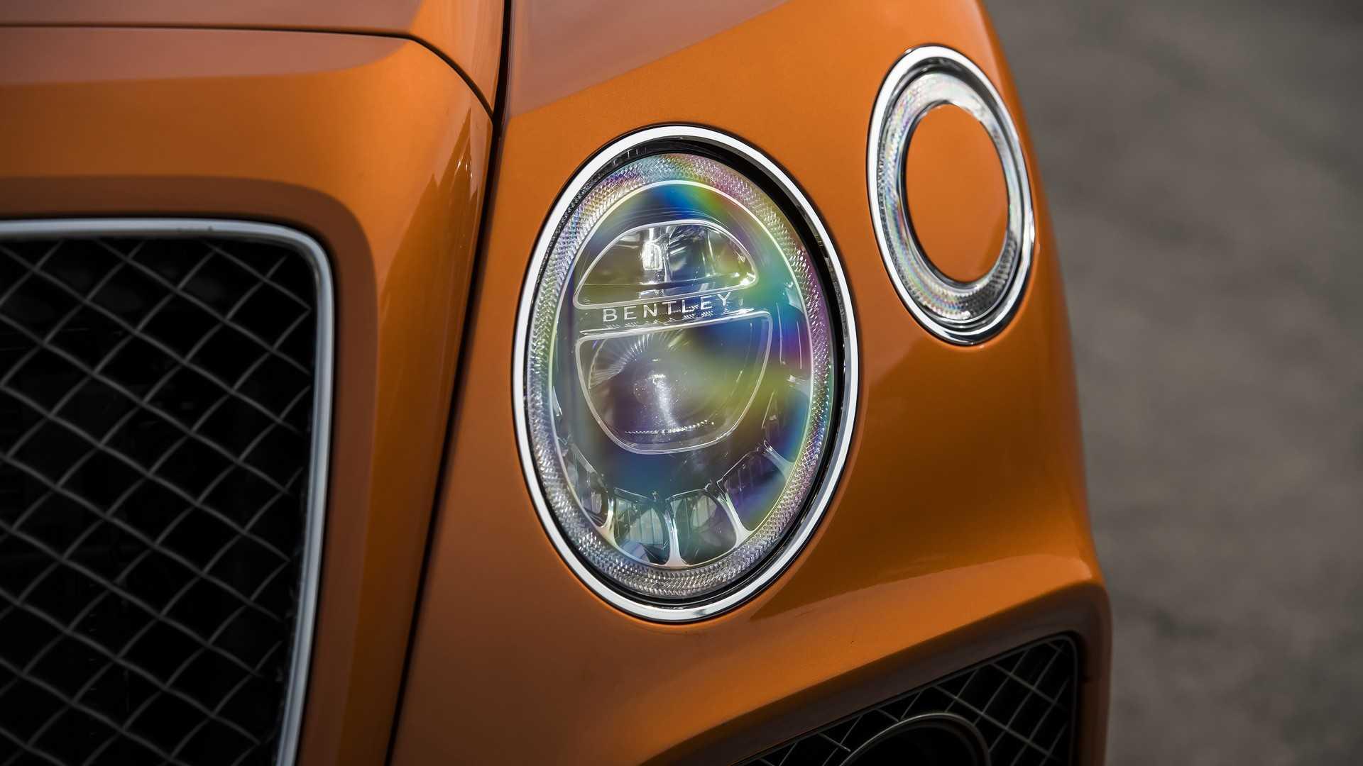 2020 Bentley Bentayga Speed Headlight Wallpaper (13)