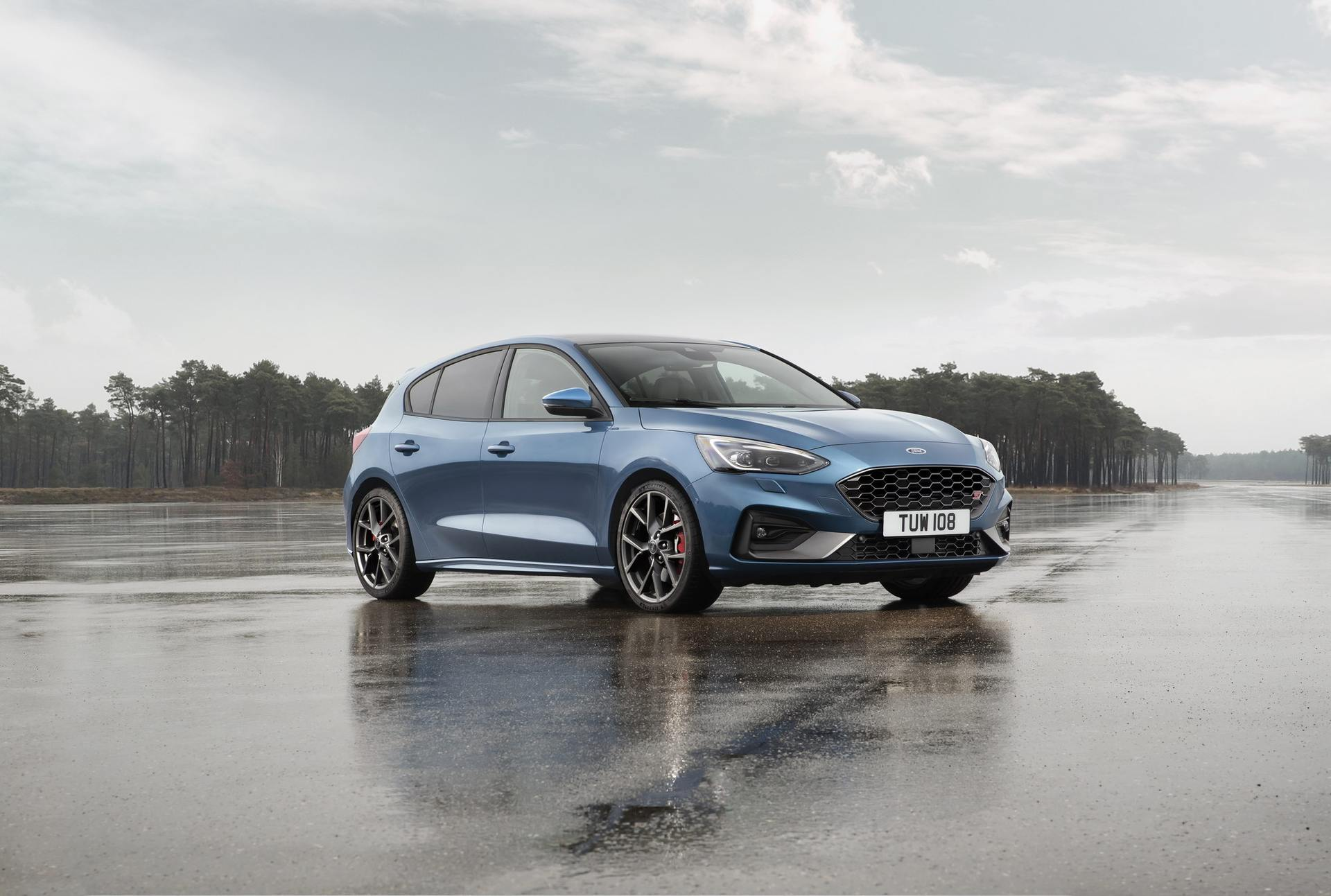 2020 Ford Focus ST Front Three-Quarter Wallpapers (7)