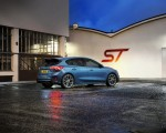2020 Ford Focus ST Rear Three-Quarter Wallpapers 150x120 (13)