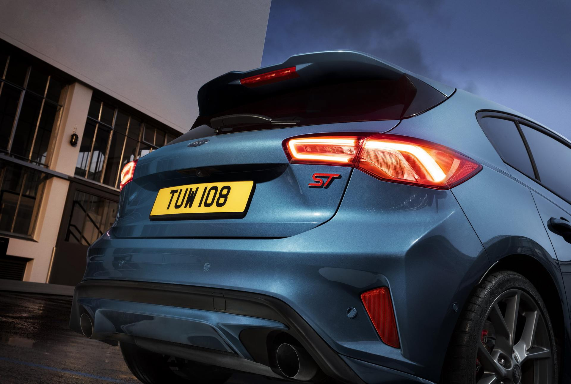 2020 Ford Focus ST Rear Wallpaper (15)