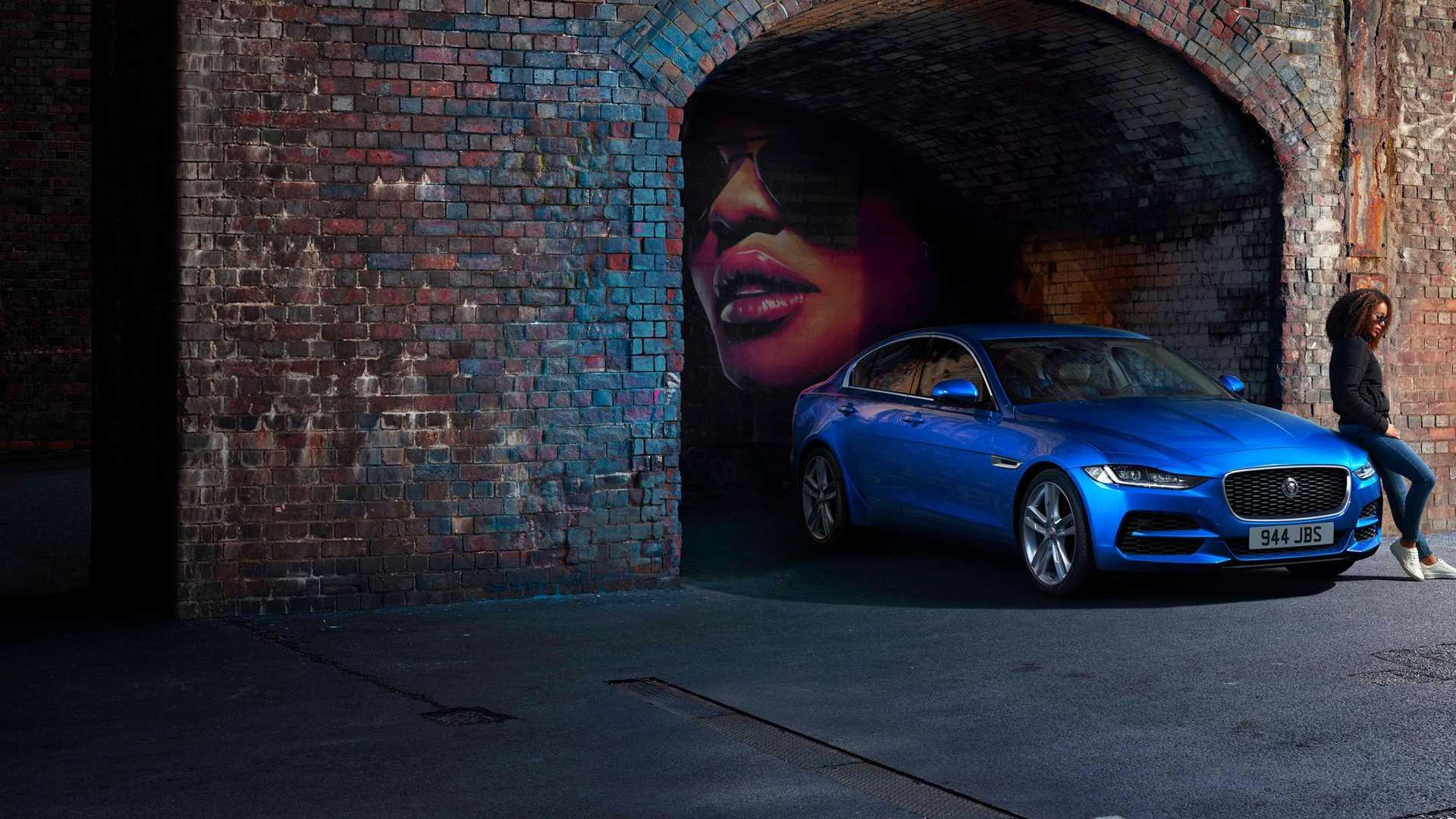 2020 Jaguar XE Front Three-Quarter Wallpaper (10)