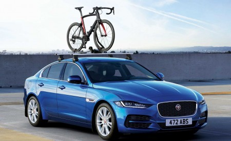 2020 Jaguar XE Front Three-Quarter Wallpapers 450x275 (99)
