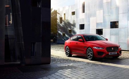 2020 Jaguar XE Front Three-Quarter Wallpapers 450x275 (92)