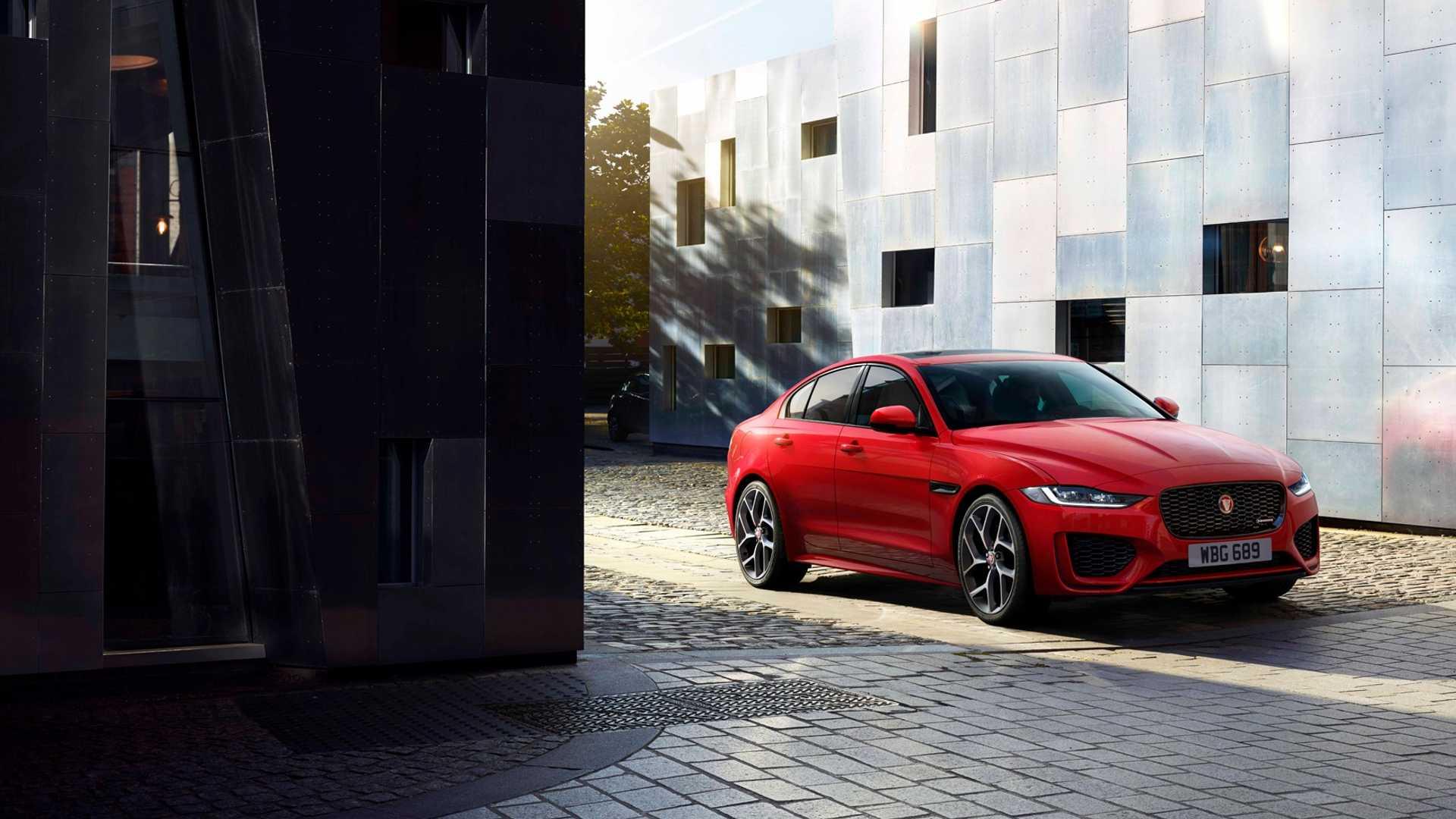 2020 Jaguar XE Front Three-Quarter Wallpaper (4)