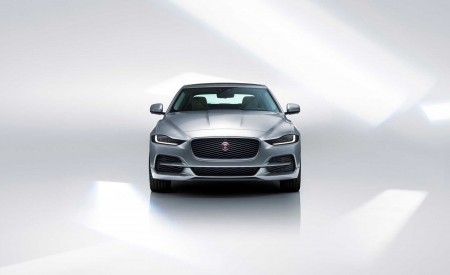 2020 Jaguar XE Front Wallpapers 450x275 (124)