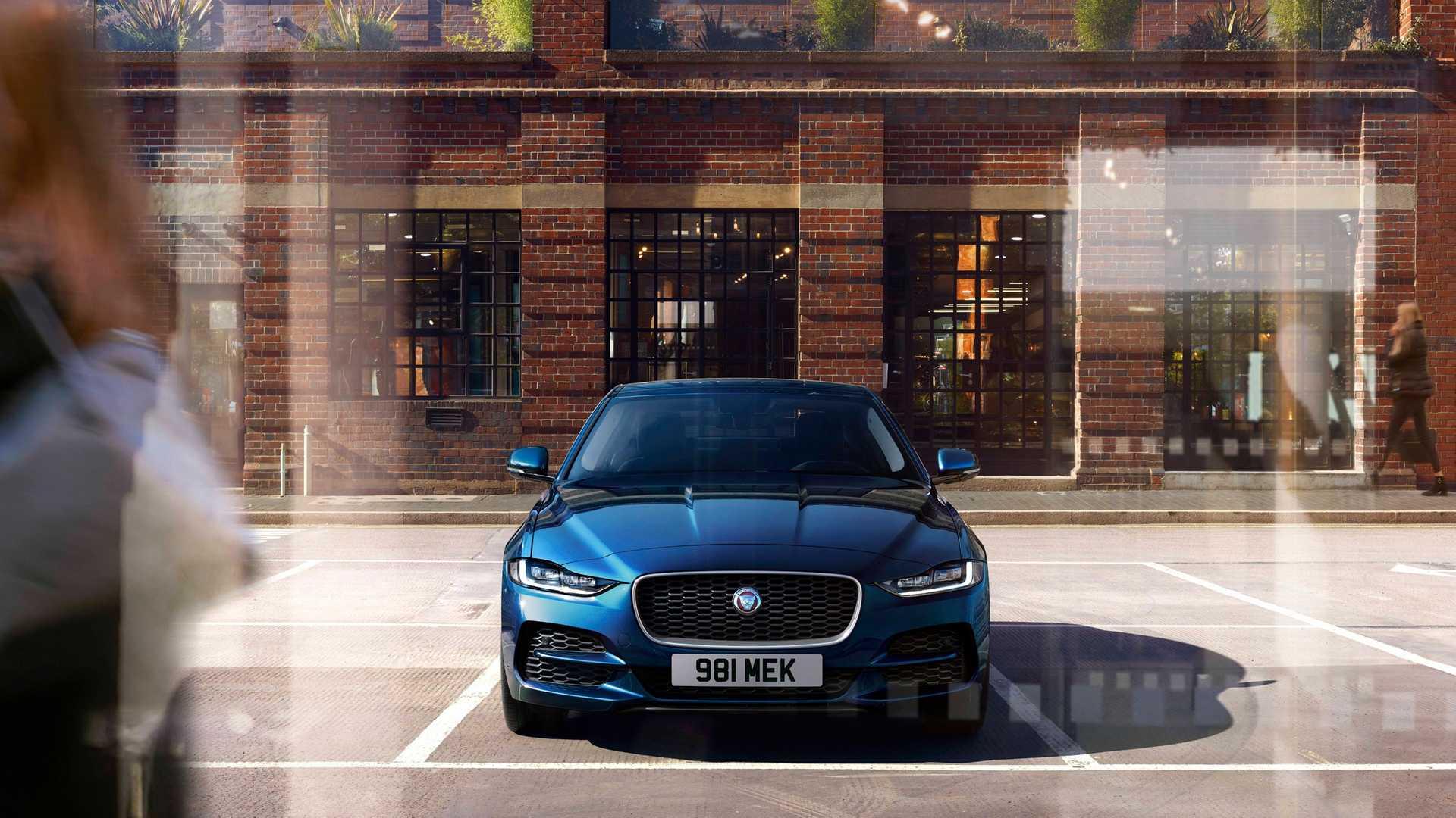 2020 Jaguar XE Front Wallpaper (12)