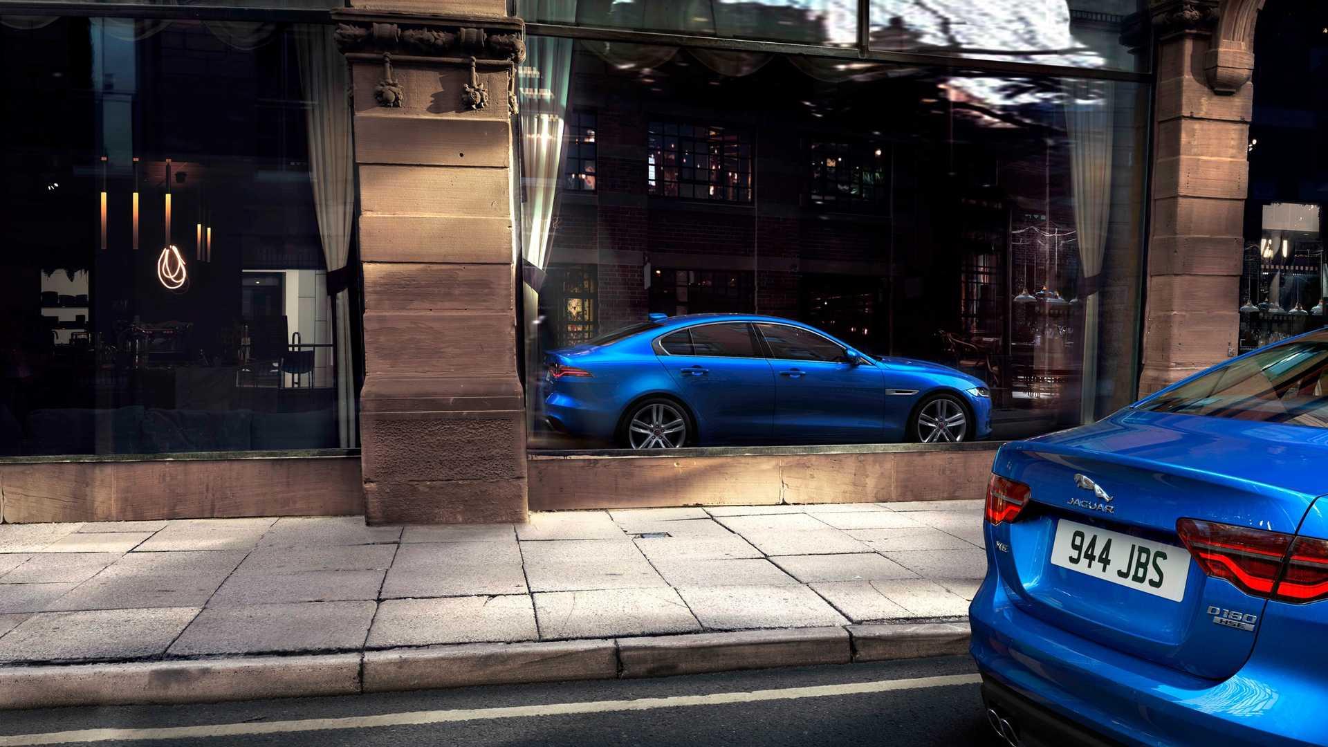 2020 Jaguar XE Rear Bumper Wallpaper (13)