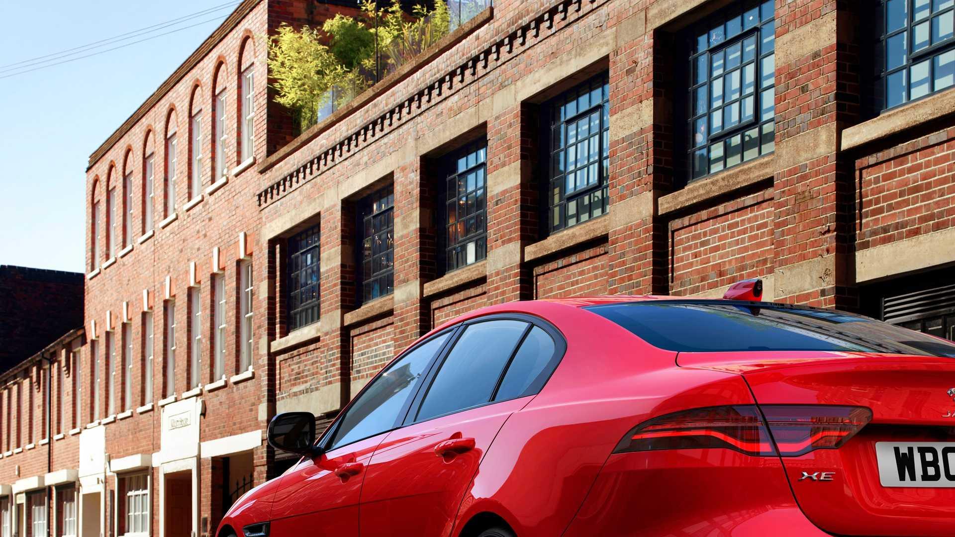 2020 Jaguar XE Rear Three-Quarter Wallpaper (7)