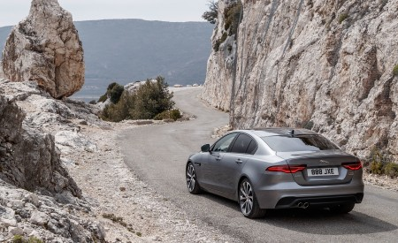 2020 Jaguar XE S D180 (Color: Eiger Grey) Rear Three-Quarter Wallpapers 450x275 (47)