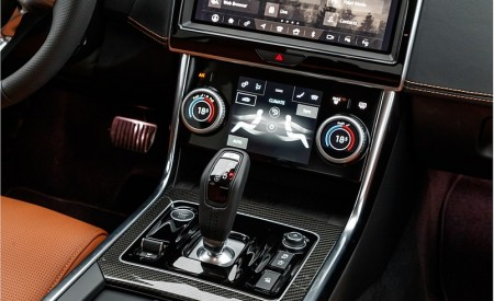 2020 Jaguar XE S R-Dynamic P250 (Color: Caesium Blue) Central Console Wallpapers 450x275 (88)