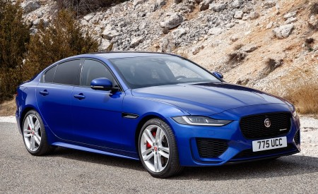 2020 Jaguar XE S R-Dynamic P250 (Color: Caesium Blue) Front Three-Quarter Wallpapers 450x275 (71)