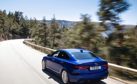 2020 Jaguar XE S R-Dynamic P250 (Color: Caesium Blue) Rear Three-Quarter Wallpapers 450x275 (66)