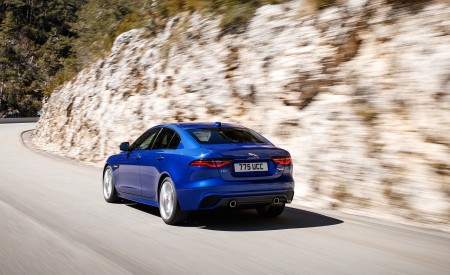 2020 Jaguar XE S R-Dynamic P250 (Color: Caesium Blue) Rear Three-Quarter Wallpapers 450x275 (68)