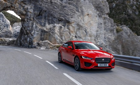 2020 Jaguar XE S R-Dynamic P300 (Color: Caldera Red) Front Three-Quarter Wallpapers 450x275 (2)