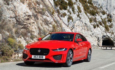 2020 Jaguar XE S R-Dynamic P300 (Color: Caldera Red) Front Three-Quarter Wallpapers 450x275 (10)