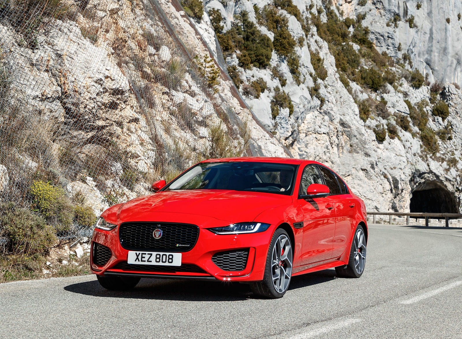 2020 Jaguar XE S R-Dynamic P300 (Color: Caldera Red) Front Three-Quarter Wallpapers (10)