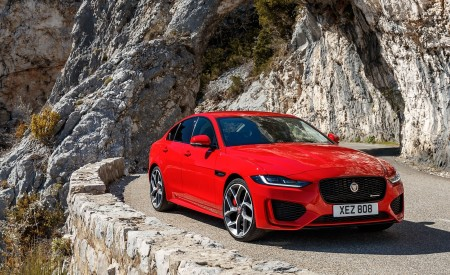 2020 Jaguar XE S R-Dynamic P300 (Color: Caldera Red) Front Three-Quarter Wallpapers 450x275 (11)