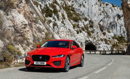 2020 Jaguar XE S R-Dynamic P300 (Color: Caldera Red) Front Wallpapers 450x275 (13)