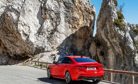 2020 Jaguar XE S R-Dynamic P300 (Color: Caldera Red) Rear Three-Quarter Wallpapers 450x275 (15)