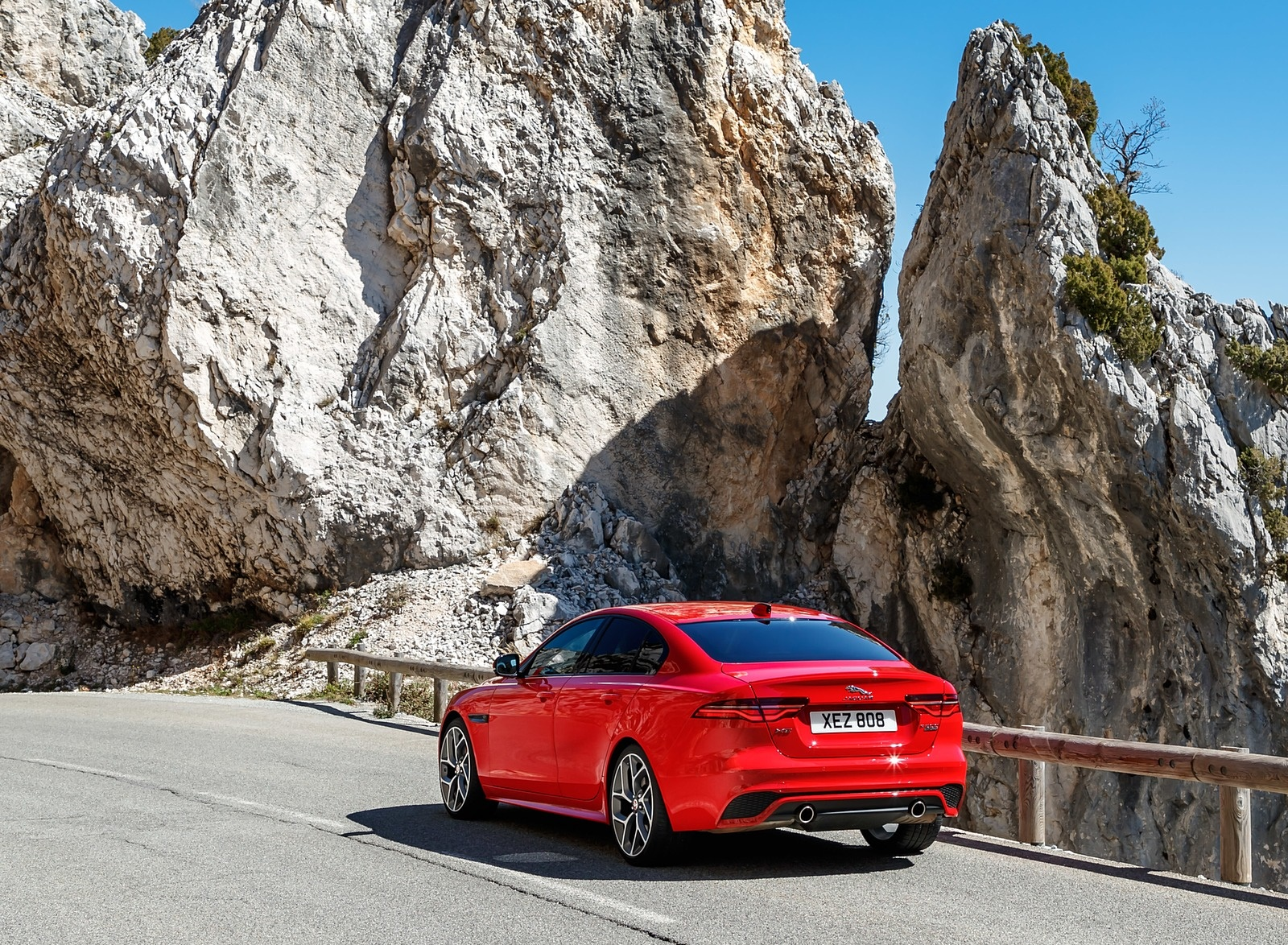 2020 Jaguar XE S R-Dynamic P300 (Color: Caldera Red) Rear Three-Quarter Wallpapers (15)