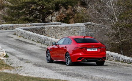 2020 Jaguar XE S R-Dynamic P300 (Color: Caldera Red) Rear Three-Quarter Wallpapers 450x275 (16)