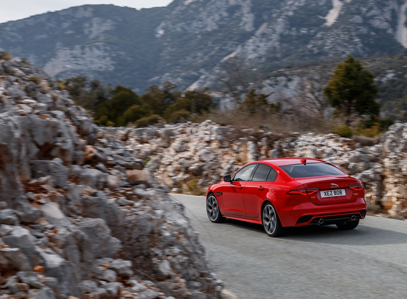 2020 Jaguar XE S R-Dynamic P300 (Color: Caldera Red) Rear Three-Quarter Wallpapers (5)