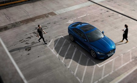 2020 Jaguar XE Top Wallpapers 450x275 (103)
