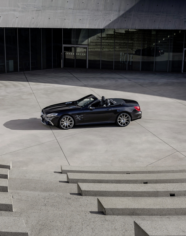 2020 Mercedes-Benz SL 500 Grand Edition (Color: Graphite Grey) Side Wallpapers (4)