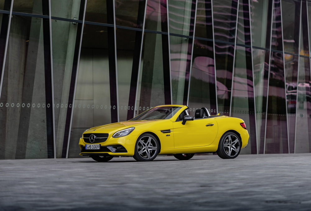 2020 Mercedes-Benz SLC 300 Final Edition Front Three-Quarter Wallpaper (1)