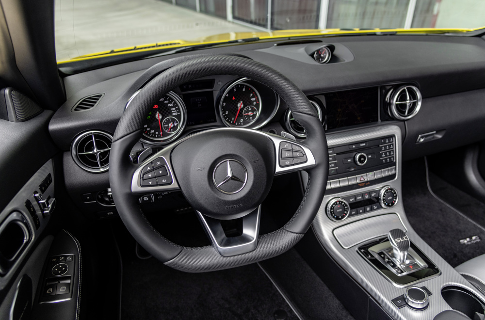 2020 Mercedes-Benz SLC 300 Final Edition Interior Wallpaper (15)