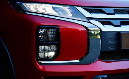 2020 Mitsubishi Outlander Sport Grill Wallpapers 450x275 (22)