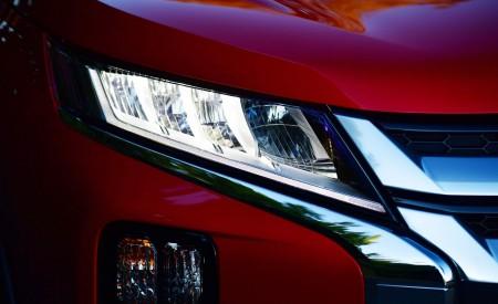 2020 Mitsubishi Outlander Sport Headlight Wallpapers 450x275 (23)