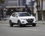 2020 Nissan Rogue Sport Front Three-Quarter Wallpapers 150x120 (1)