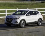 2020 Nissan Rogue Sport Front Three-Quarter Wallpapers 150x120 (2)