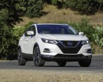 2020 Nissan Rogue Sport Front Three-Quarter Wallpapers 150x120 (3)
