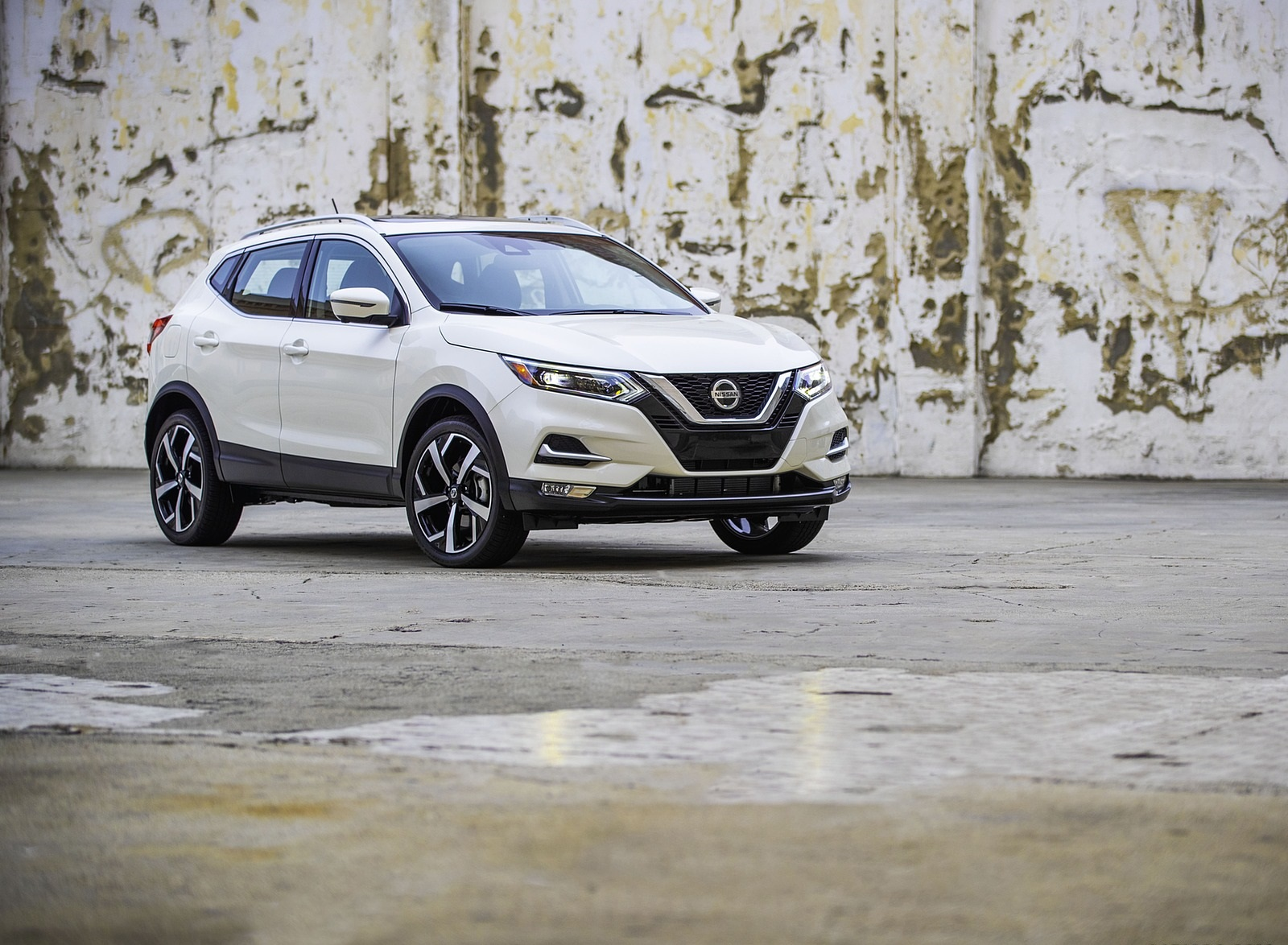 2020 Nissan Rogue Sport Front Three-Quarter Wallpapers (8)