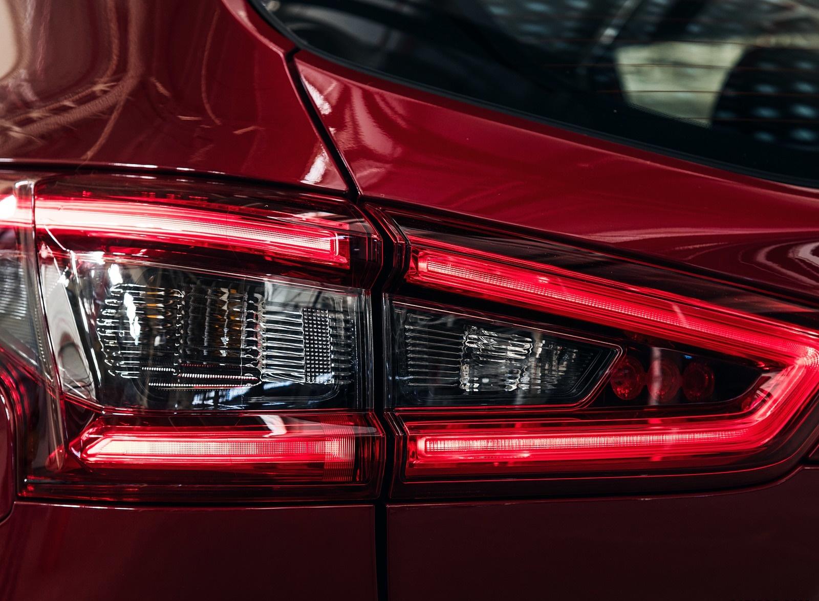 2020 Nissan Rogue Sport Tail Light Wallpapers (14)