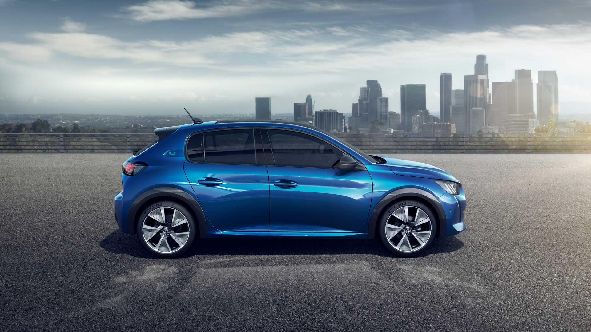 2020 Peugeot e-208 EV Side Wallpapers (10)